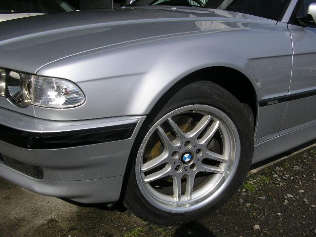 BMW 傷 ヘコミ