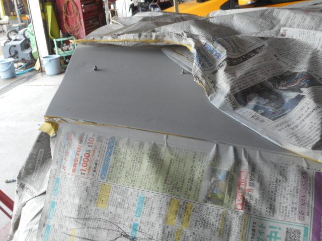 RX7トランク サフェサー塗装